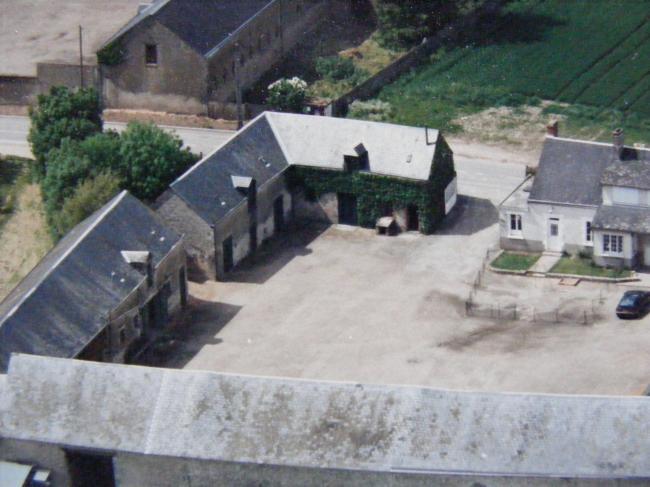 A :Vue aérienne des chambres d'hôtes avant rénovation